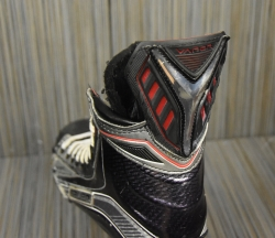 https://sidelineswap.com/search?category%5B%5D=hockey%2Cskates